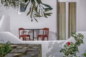 Budget groundfloor double room, Pyrgos hotel in Ouranoupoli of halkidiki nearby beach
