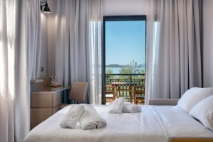 Deluxe suite, Pyrgos hotel in Ouranoupoli of halkidiki nearby beach